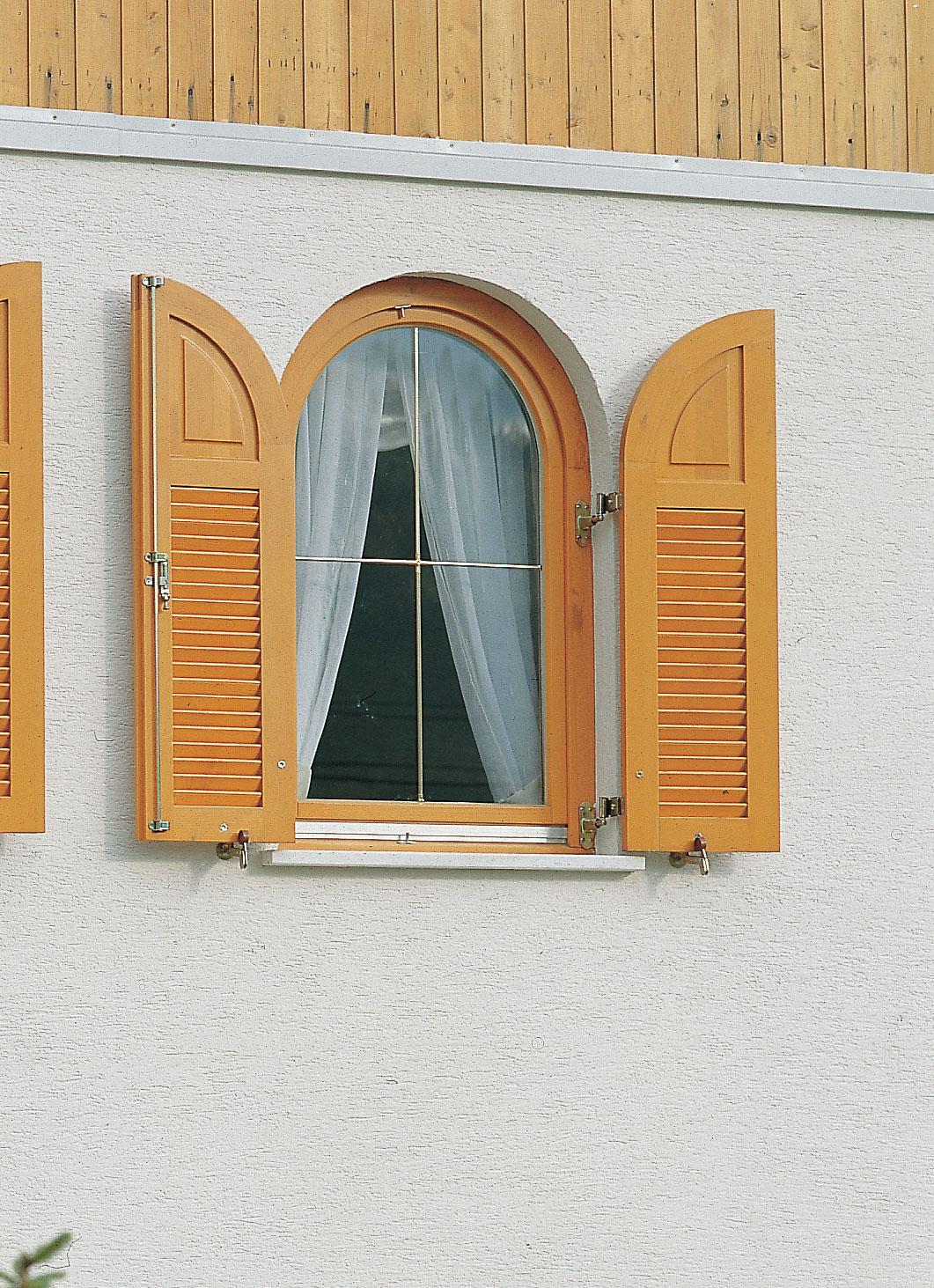 בניית תריס עץ - קונטור חלונות ודלתות מעוצבים